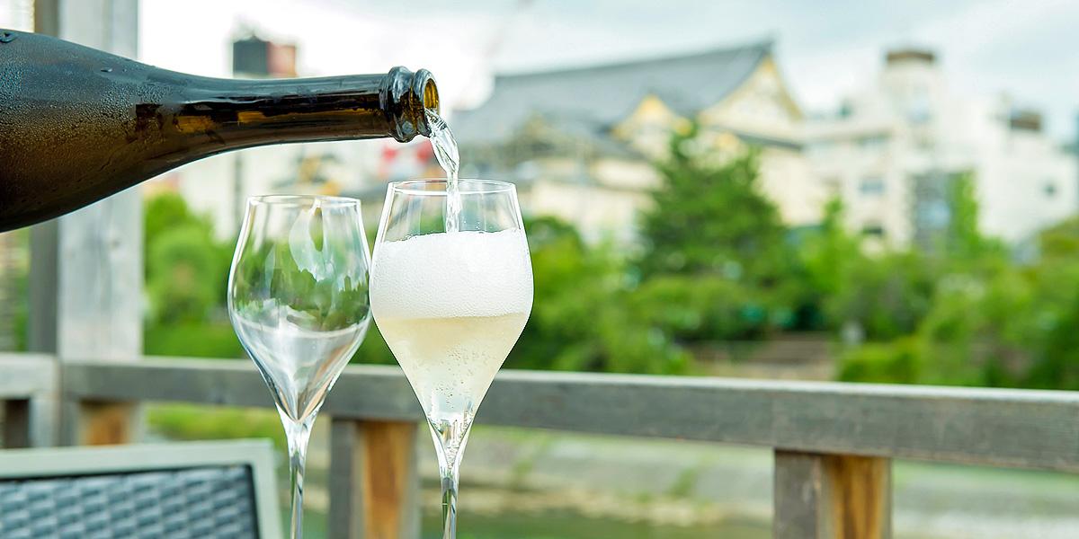 絶妙アラカルトと豊富なワイン。食べごころ、飲みごころを心地よく刺激