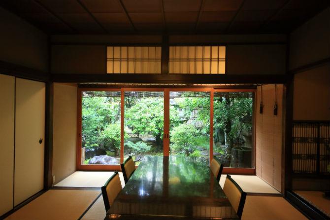 東海道の旧き良き宿場町で名建築を愛でながら舌鼓を