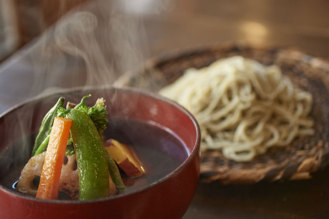 香りと旨みが際立つ、至極の蕎麦の味わい
